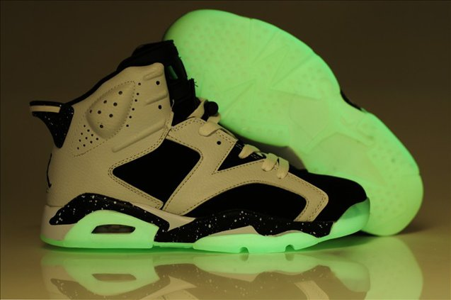 Air Jordan 6 VI Retro Homme Glowing Chaussure blanc Noir for Sale