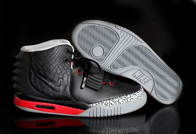 Discount Outlet Nike Air Yeezy 2 Homme Chaussure pas cher Sale Noir Grey Red
