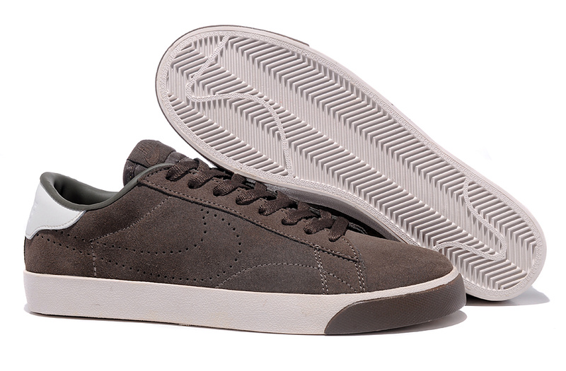 Homme Nike Classic Ac ND Suede Sienna Chaussure