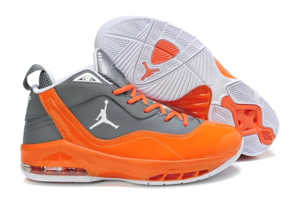 Jordan Melo M8 Baseball Chaussures orange/gray