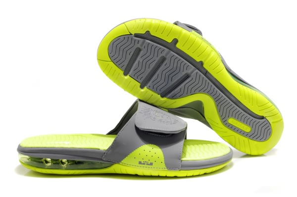 Nike Air Lebron Diaporama chaussons gray/fluorescence verte