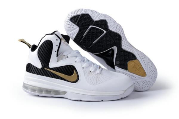 Chaussures de basket Nike Air Max LeBron James 9 de la femme Blanc/Noir/Or