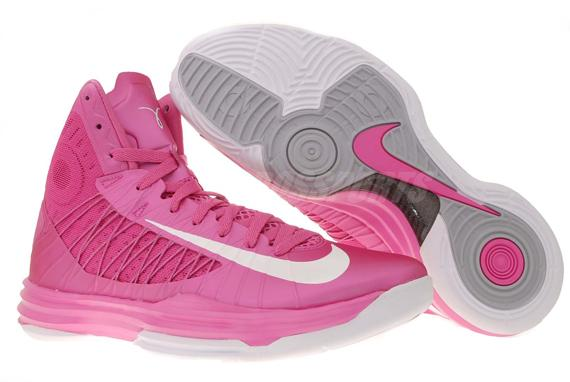 new styles 8e91e 5644f Chaussures de basket-ball Nike LeBron James rose Femmes  Nike03249  -  €68.00   Air Max, Nike Site Officiel