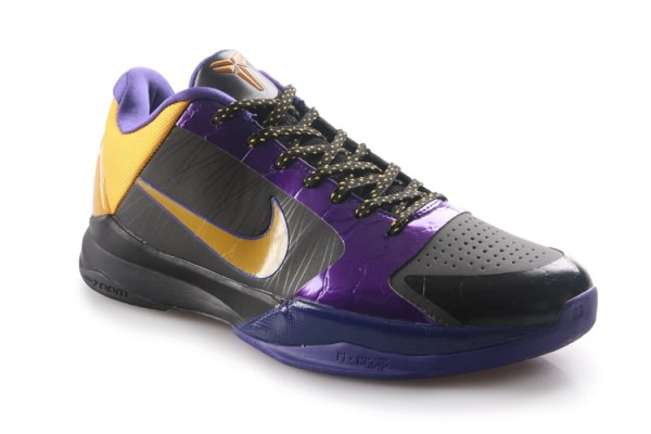 Nike Zoom Kobe V Chaussures de basket-ball Noir/Violet/Or