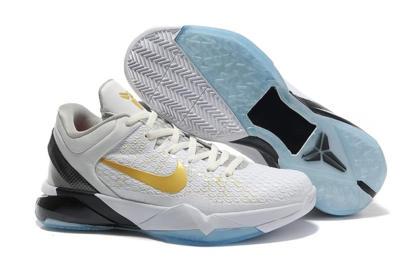 Nike Zoom Kobe VII System Elite blanc Or Basketball Chaussure-Uj
