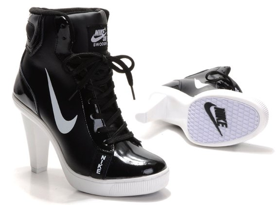 Nike 2012 Heels Dunk High Femme Chaussure Noir blanc Low Price