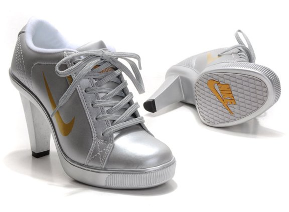 Nike 2012 Heels Dunk Low Femme Chaussure New Silver Or for Sale en ligne